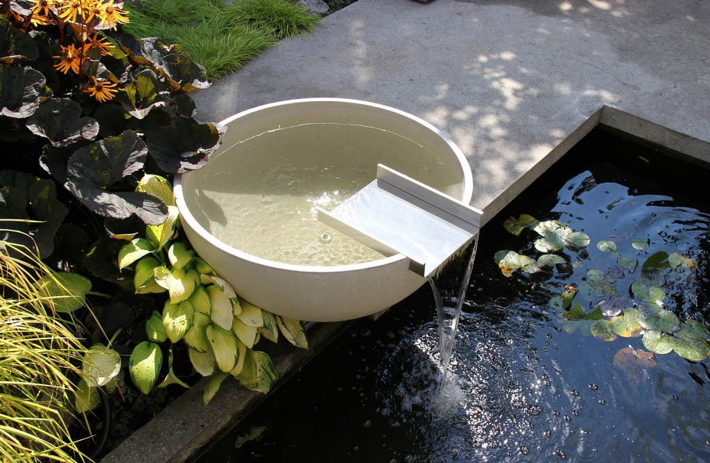 Solus Décor Offers Concrete Water Bowls