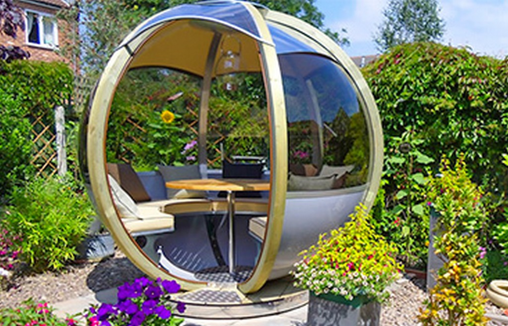 Ornate Gardens Offers Unique Rotating Pods