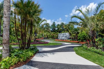 Unable to resist, Jim McCloskey traveled across the country last month to see the New York Botanical Garden's exhibition on the art of Roberto Burle Marx just a few days before it closed.  It was a revelation, he says, and gave him an even deeper respect for the artist and the man.
