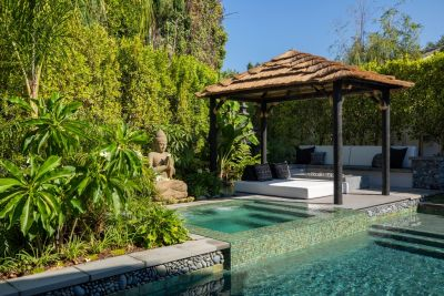 Bali has been captivating visitors for centuries with its relaxed island culture and unique Asian-Tropical design tradition. His clients wanted to capture that spirit in their small backyard, and the fact that Scott Cohen had visited Bali himself brought out his own love of the place in an inspiring design.