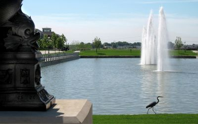 When a St. Louis-area developer wanted water to be a prominent part of a new project in nearby St. Charles, Mo., says Anne Gunn, it made sense for him to contact Hydro Dramatics, a local firm that has created an impressive list of fountains and other waterfeatures throughout the region.  In this case, the need was for a set of floating fountains to set the tone for his development while linking it to history – and a pair of famous rivers.